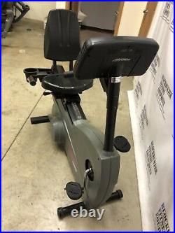 Life Fitness 9500HR Recumbent Cycle SHIPPING NOT INCLUDED