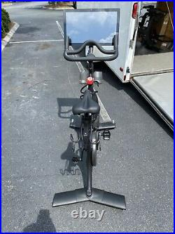 Peloton Exercise Bike (2nd Generation) Great Condition GET IT IN A WEEK (READ!)
